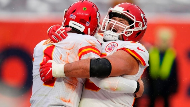 Chiefs Defeat Broncos, 43-16, in Complete Team Victory (Details)