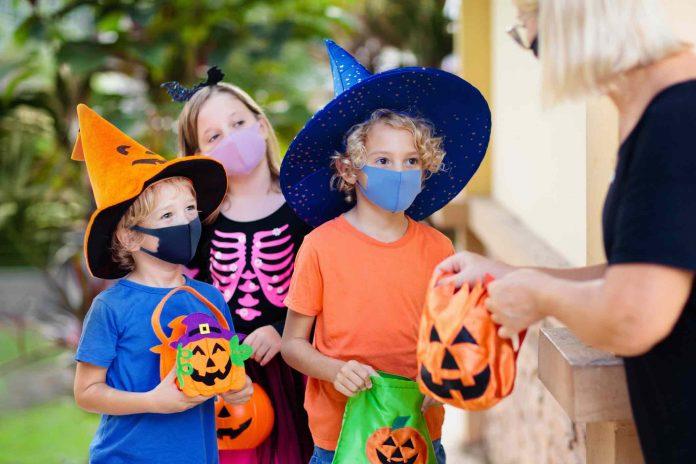 Coronavirus Australia Update: Victorians urged to be responsible this Halloween