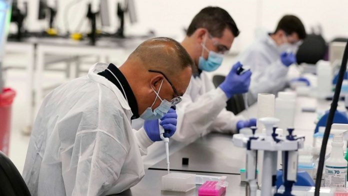 Coronavirus Australia live update: Police report quarantine breaches in Western Australia