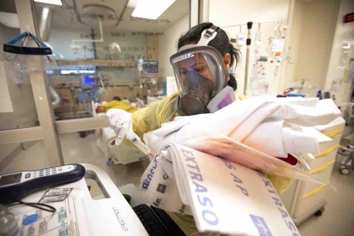 Coronavirus USA Updates: LA County breaks record for COVID-19 deaths