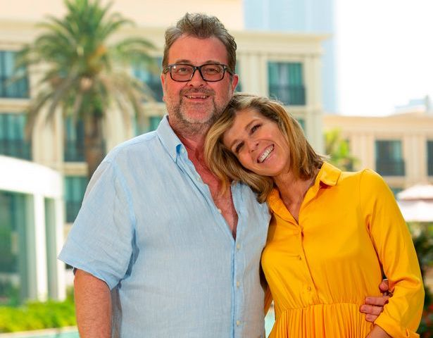'GMB' star Kate Garraway gives update on husband Derek's COVID-19 recovery