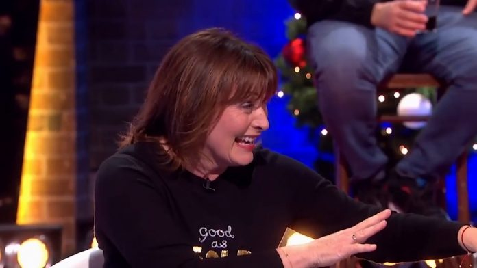 Lorraine Kelly told 'go f*** yourself' as she names Piers Morgan as her hero (Video)