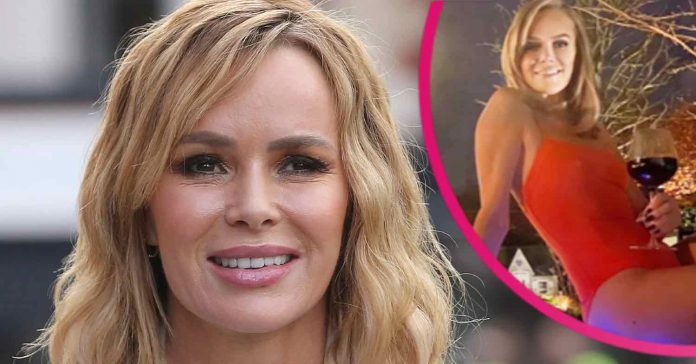 Photo: Amanda Holden shows off her figure in Baywatch-style red swimsuit - and we're obsessed