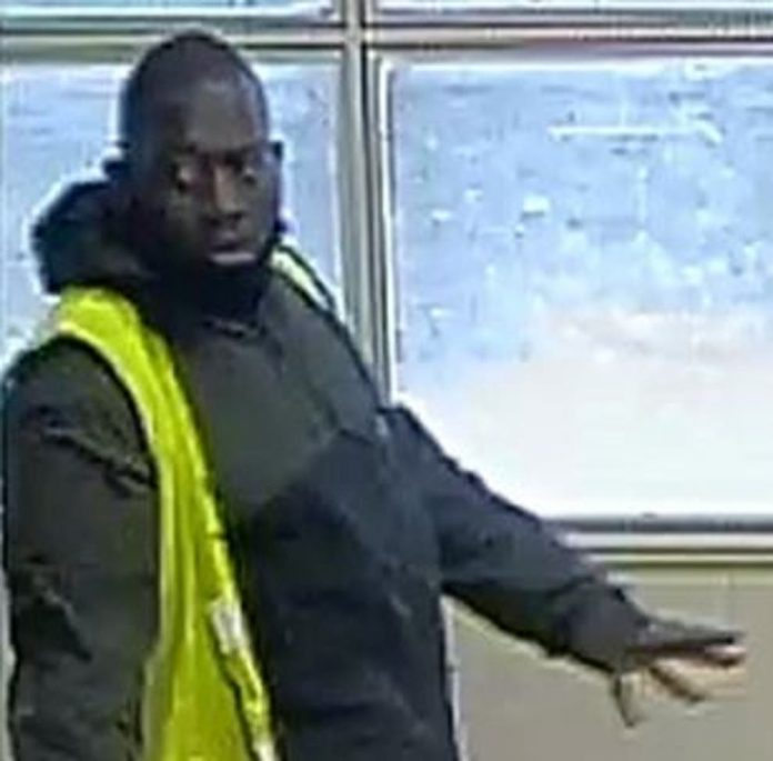 London abduction panic: Police search for man after girl, 7, carried away in street, Report
