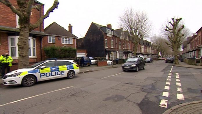 Man charged with murder after body found in bath, Report