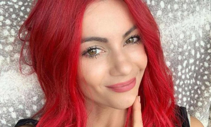 Picture: Dianne Buswell stuns in gorgeous swimwear snaps as fans react