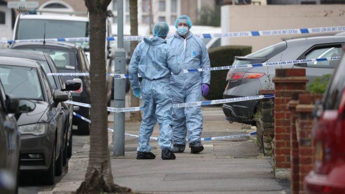 Ten people stabbed leaving one dead in south London bloodbath, Report