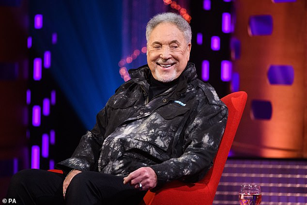 Tom Jones, 80, reveals he still has a 12 PACK (Report)