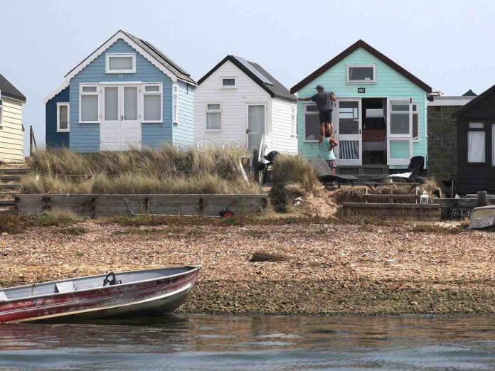 Two arrested over beach hut attacks, Report