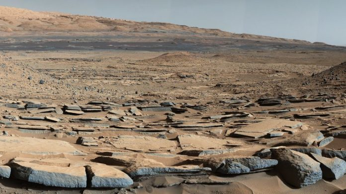 Majority of water on Mars may be trapped in planet's crust, new study
